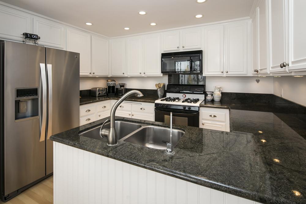 4854 Sawyer - Kitchen.jpg