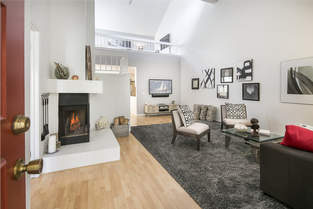 4854 Sawyer - Living Room 1.jpg