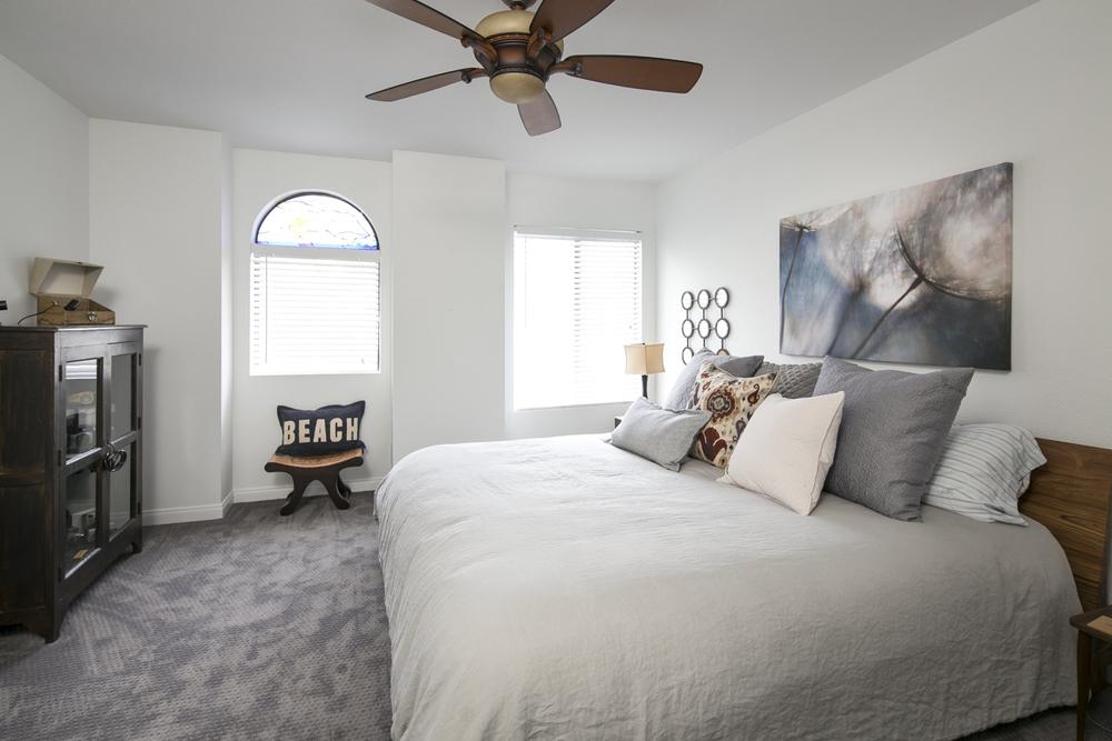 4854 Sawyer - Upstairs Bedroom.jpg