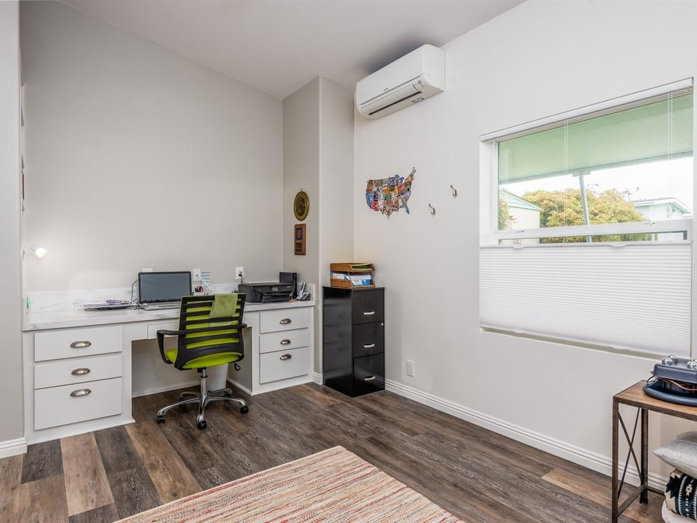 018_18-Bedroom-Office.jpg