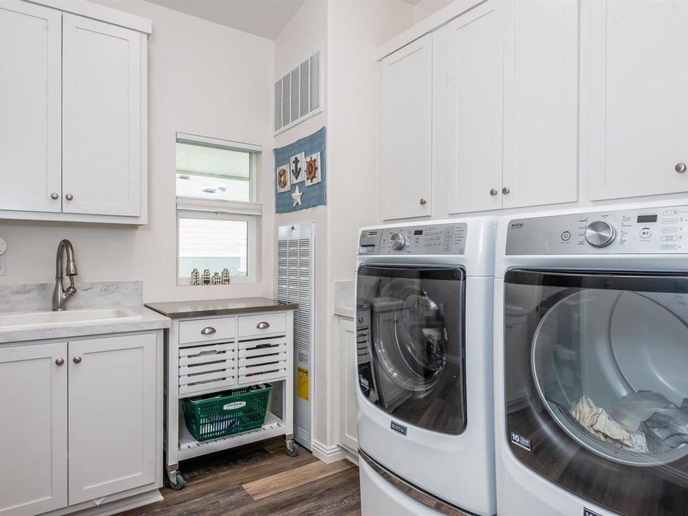 019_19-Laundry.jpg