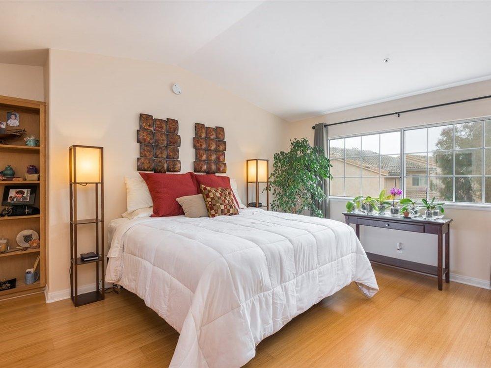 012_12-Master Bedroom.jpg