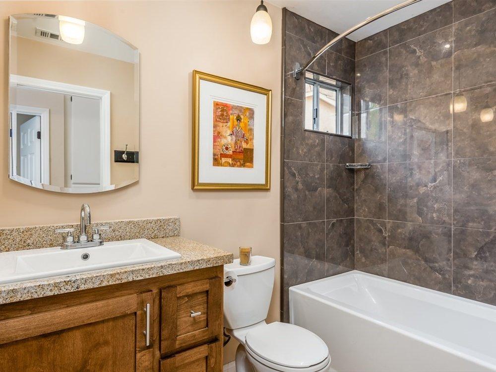 016_16-Bathroom 2.jpg