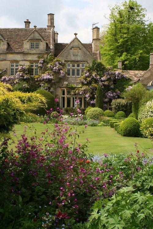 Follow the link for some serious garden inspiration!