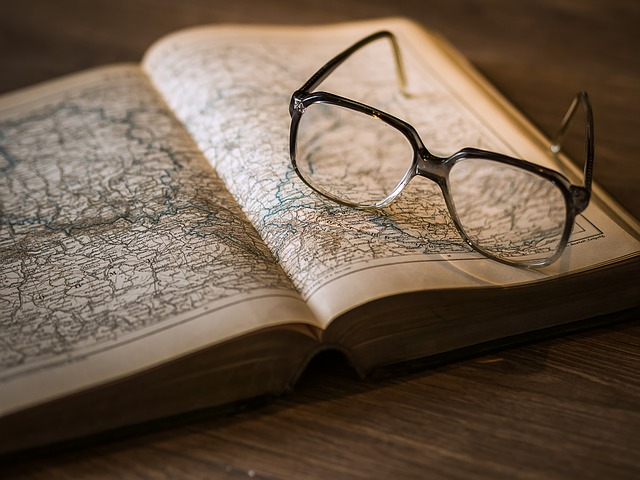 Source: https://pixabay.com/en/knowledge-book-library-glasses-1052013/