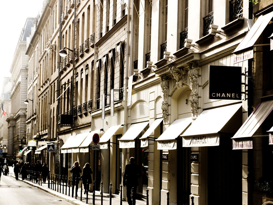 Photo source: http://www.cntraveler.com/galleries/2014-09-25/what-it-s-like-to-tour-paris-with-chanel