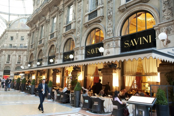 Photo source: http://www.wheremilan.com/discover-milan/shopping/shopping-dining-galleria-vittorio-emanuele/