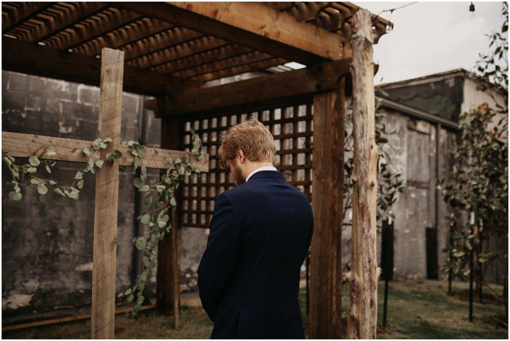 Loflin_Yard_Memphis_Wedding_Photographer_0121.jpg
