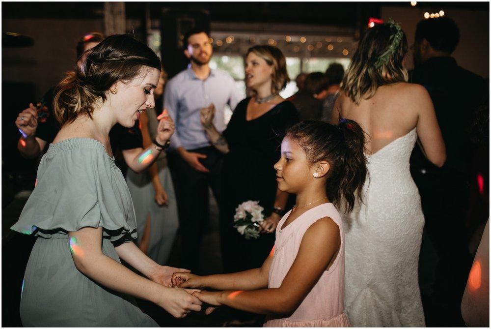 Loflin_Yard_Memphis_Wedding_Photographer_0158.jpg