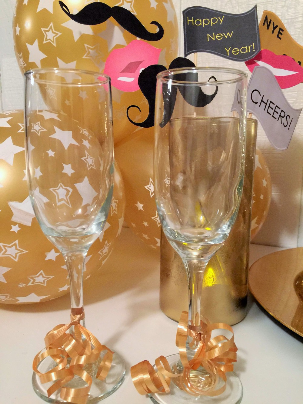 QUICK CHAMPAGNE GLASS DIY