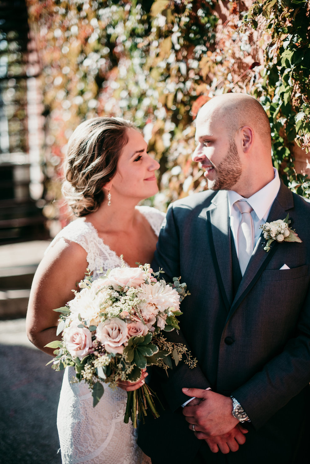 Mr. & Mrs. Obniski - After a few meetings, I can say that these guys look at each other like this often... heart eyes all the way. Photo: Tara Draper Photography