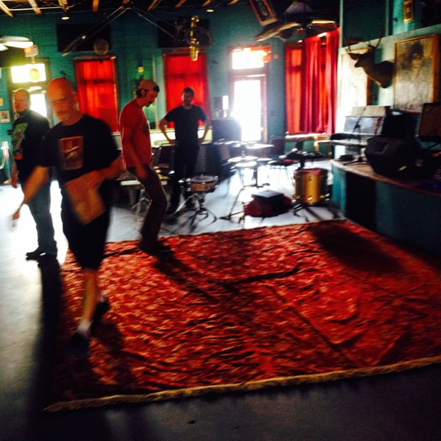 The Rug appears ... #danssilverleaf