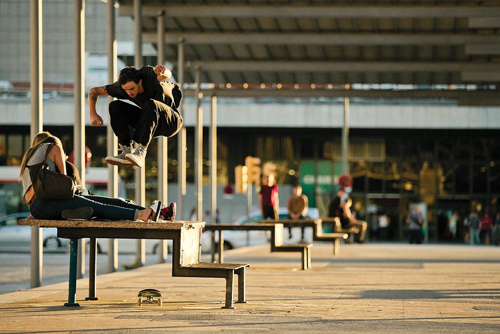 Dolan Stearns hippie jump, Barcelona