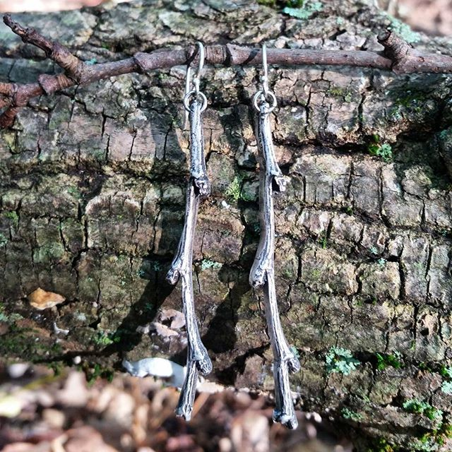 Feeling right at home in nature 🌿 . . . #jewelry #jewelrygram #instajewelry #jewellery #silver #earrings #twigs #nature  #naturelover #tillmanravine #nj #newjersey #sussexcounty #hiking