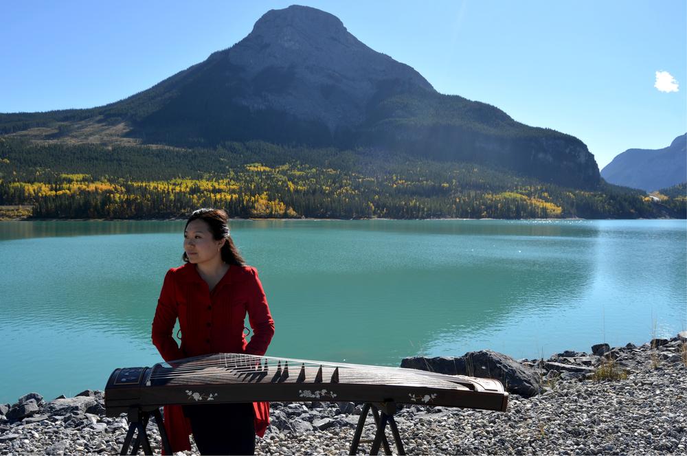 Xinna and Lake.jpg