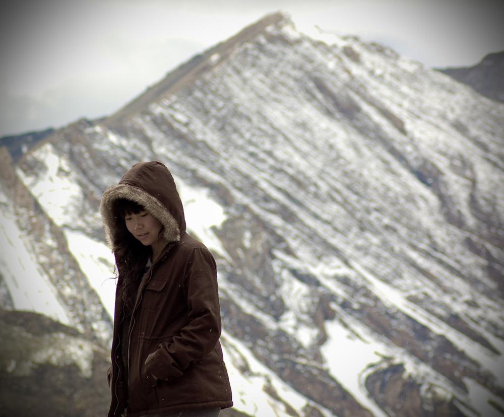 Xinna and mountain.jpg