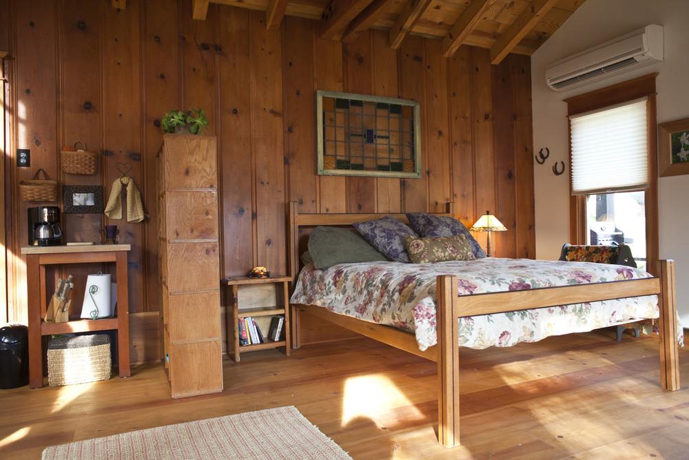 Cabin Int 14.jpg