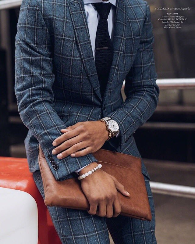 "It's all in the details, Gents!  #TheHandsomeGuyde . ""It's attention to detail that makes the difference between average and stunning"" ‼️👌🏽 #TheHandsomeGuyde #SuitGameIsBack http://liketk.it/2v2n6 #liketkit @liketoknow.it .  P.S. ‼️N E W • B L O G ‼️ • N O W • L I V E ‼️ . . 📷 by: @benandphotos"