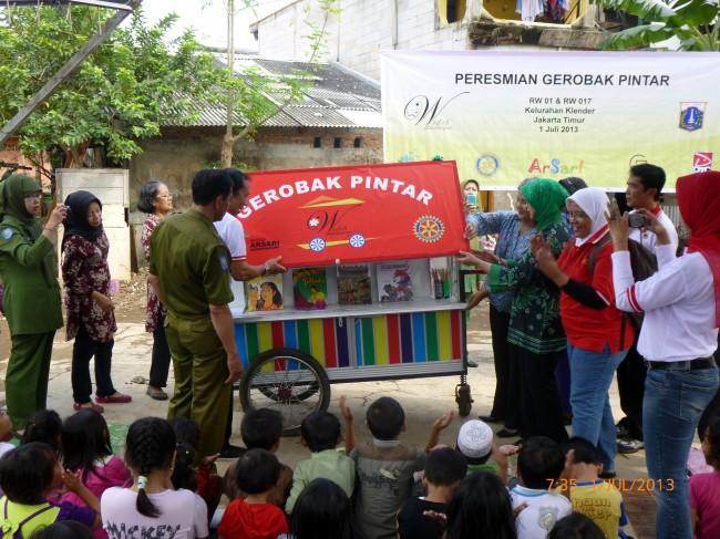 """""""Gerobak Pintar""""in East Jakarta"""
