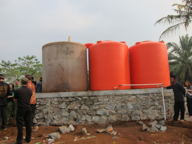 Water distribution tanks