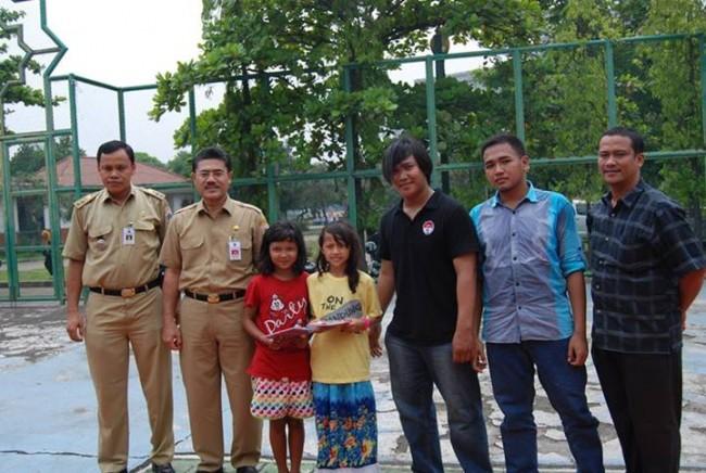 Foto bersama Bapak Bambang Sugiyono, Asisten Kesejahteraan Masyarakat Sekda DKI, Anak Arsari, Ricardo dan mahasiswa UMJ
