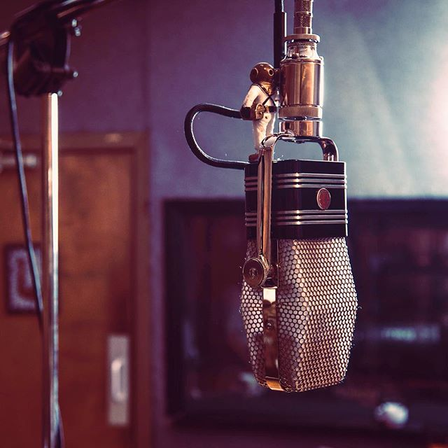 Sangin' into a little magical magic from @ribbonmics