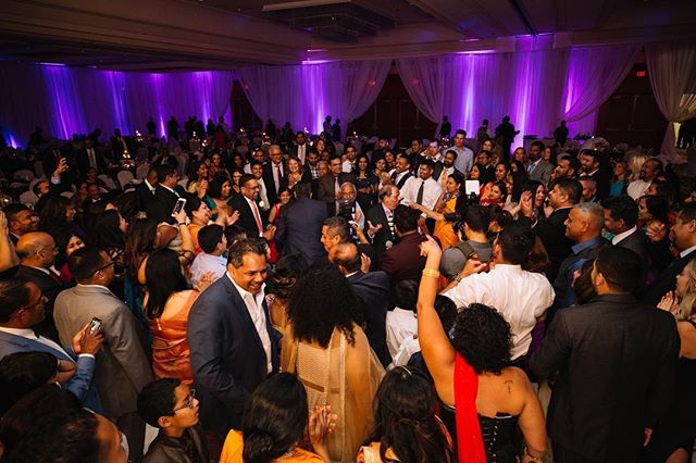 🕺🏽Dance floor: When the bride and grooms side truly become one💃🏻 @djvermix • • • • • •  #engaged #photography #wedding #weddingdecor #weddingbells #weddingday #weddingphotography #beachwedding #indianwedding #isaidyes #shesaidyes #decoration #decor #decoration #funny #weddings #weddingstyle #weddingseason #photography #weddingplanner #weddingplanning #eventplanner #eventplanning #weddingdecoration #centerpieces #centerpiece #flowers #florals