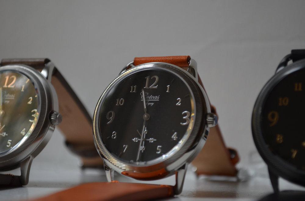 Cotcas Legacy - Silver Chrome/Black dial