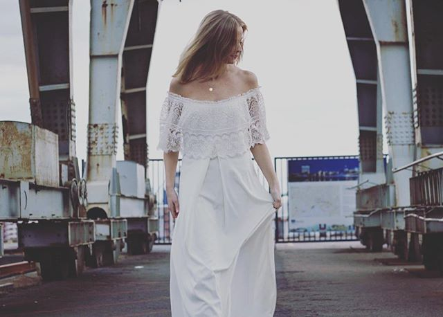 Agnes - vintage wedding dress listed at www.oldemors.com #vintagebrudekjole #vintage #brudekjole #weddingdress #bohoweddingdress #wedding #boho #oldemorsbrudekiste