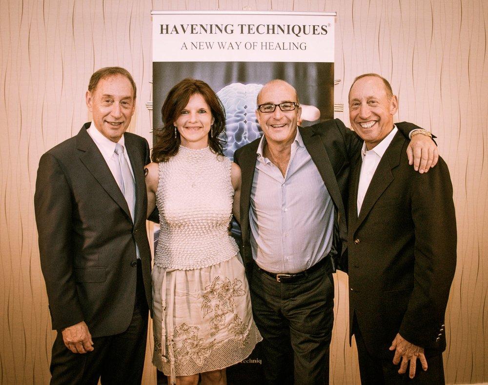 Koter Margaréta  az egyetlen szaképzett Magyar Havening Terápia Oktató, a terápia felfedezőivel, Dr Ronald and Stephen Ruden-nel és a világhírűPaul McKenna-val Los Angelesben