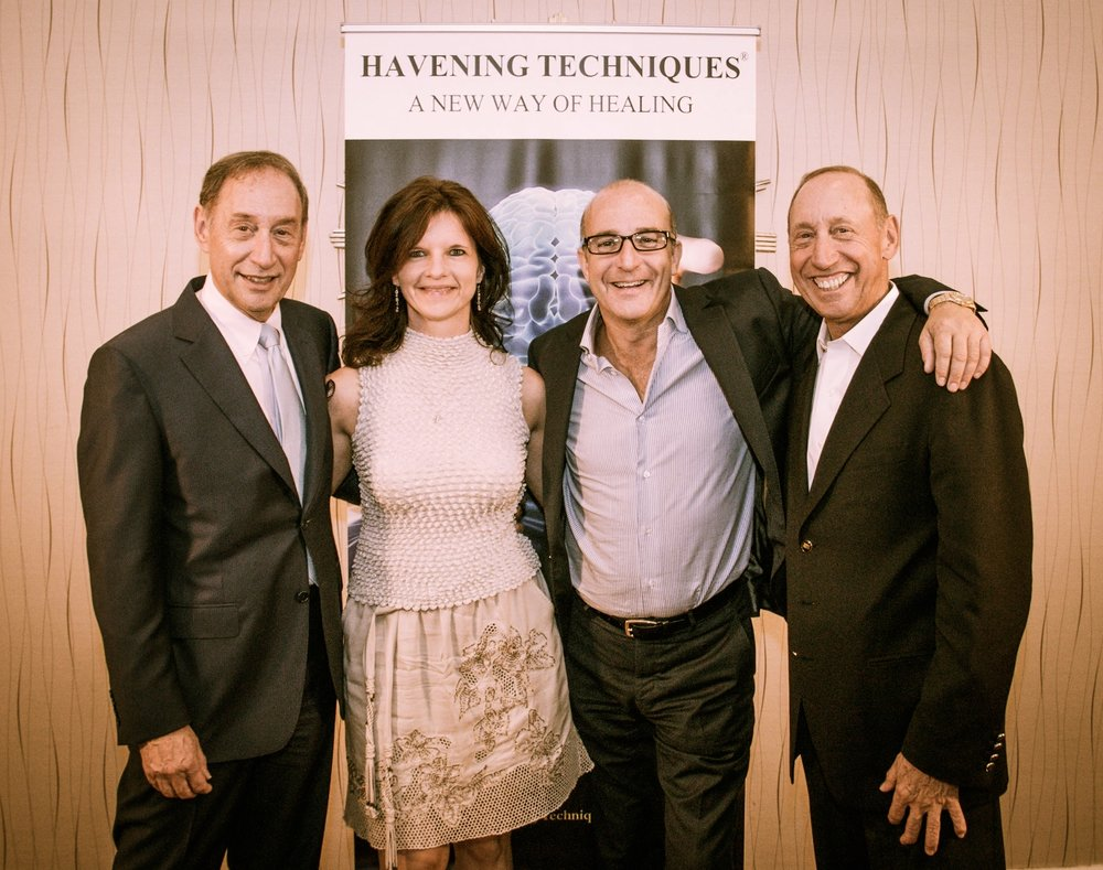 Dr Ron és Steve Ruden és Paul McKennával Los Angelesben