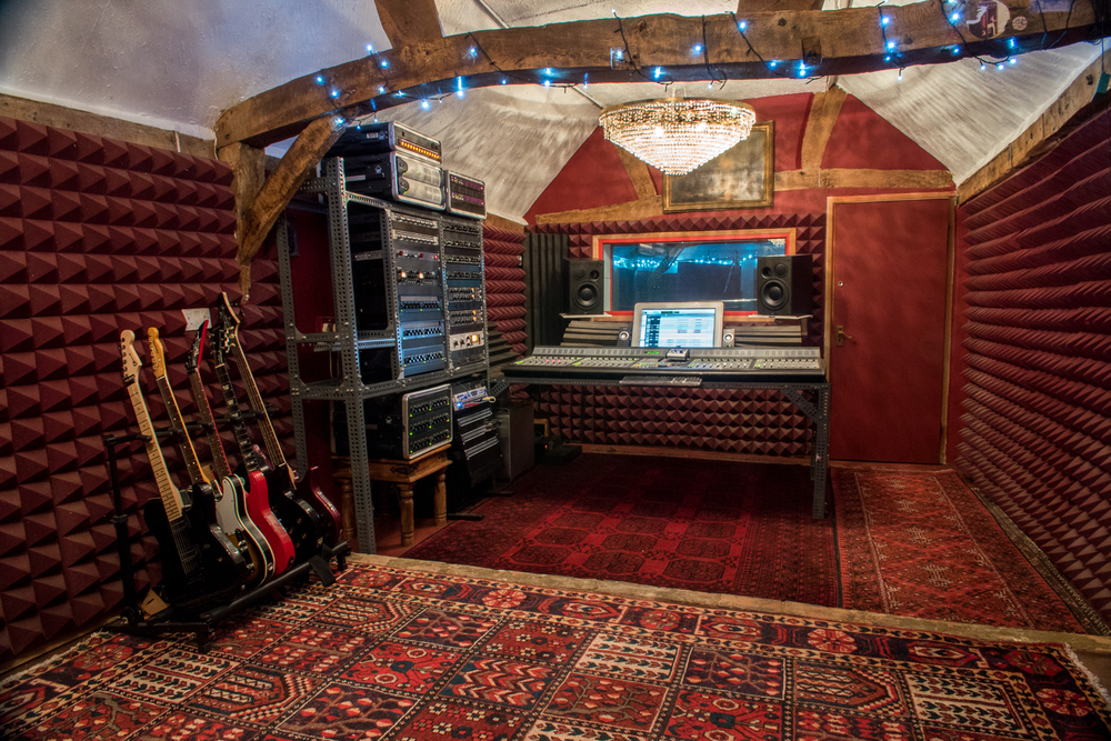 New Studio-1430608.jpg