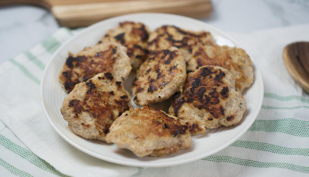 Maple Turkey Breakfast Sausage | Easy Paleo Breakfast Sausage in the Cast Iron Skillet