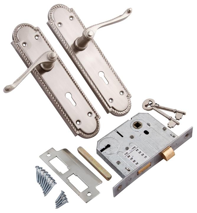 IMG_9677_2_Lever_lock_insert_reversible_latch_included_SNB8GSKLE.jpg