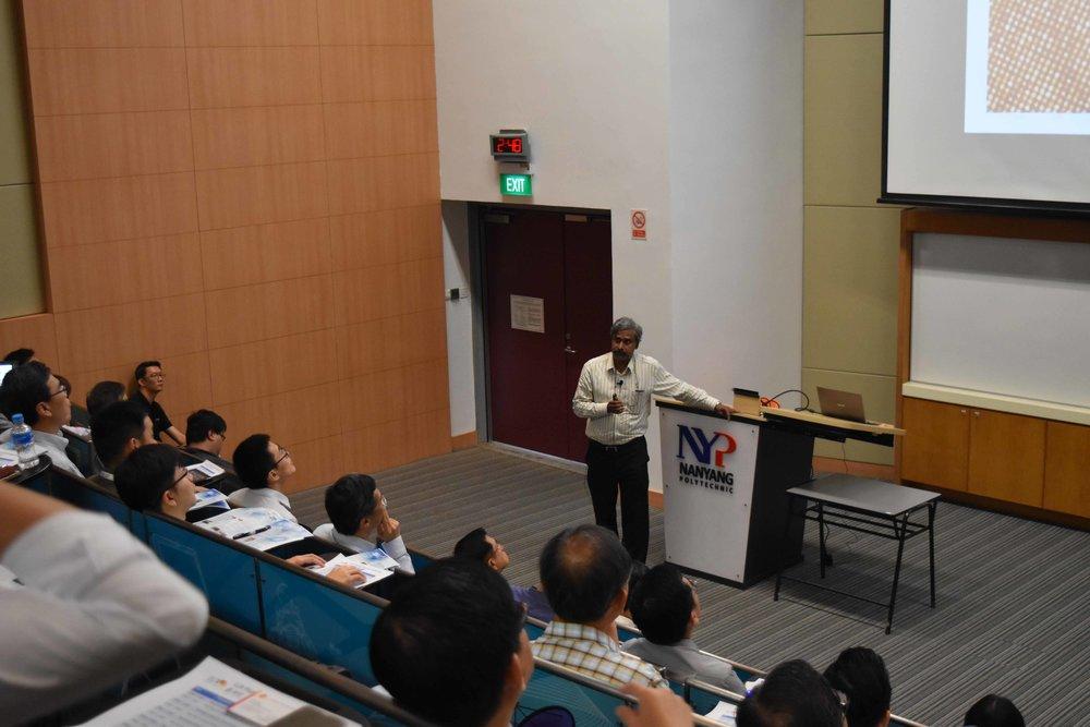 Assoc Prof Murukeshan of NTU sharing his research technologies.