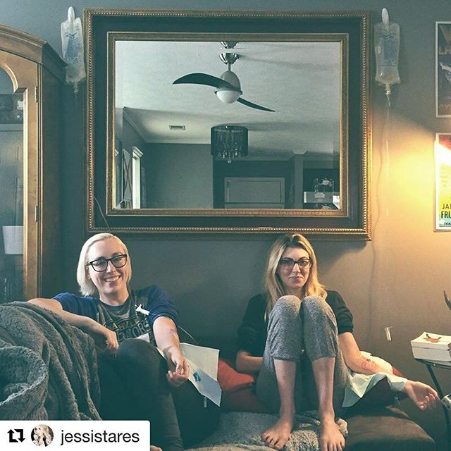 #Repost @jessistares with @repostapp ・・・ When your roommate calls you & says she has an IV station coming to the house tomorrow, you jump on that train. 💉 #recoveryroomnashville