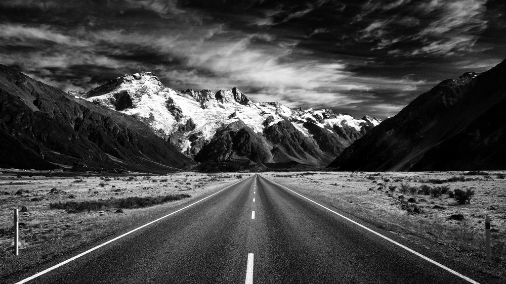 roadtothemountains bw.jpg