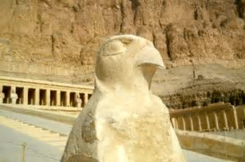 Statue of Horus
