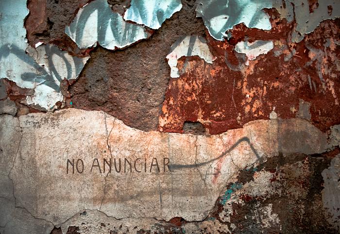 Ciudad de México, 2011.   No! No! No! No aNuncie Nada Nunca!