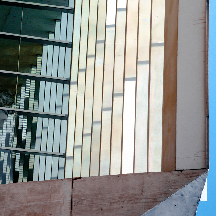 """Mexico City, 2017.   """"Nadie habrá dejado de observar que con frecuencia el suelo se pliega de manera tal que una parte sube en ángulo recto con el plano del suelo, y luego la parte siguiente se coloca paralela a este plano, para dar paso a una nueva perpendicular, conducta que se repite en espiral o en línea quebrada hasta alturas sumamente variables."""""""