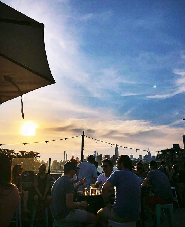 No rain in sight. Come spend golden hour on the roof - open till late | 📸 @grace8282