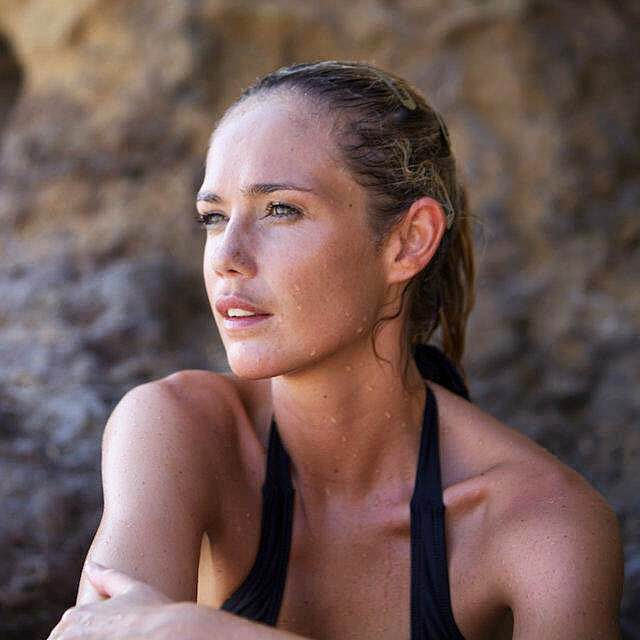 """<a href=""""/abi-carver"""">Abi Carver<strong>Yoga Instructor & Trainer</strong></a>"""