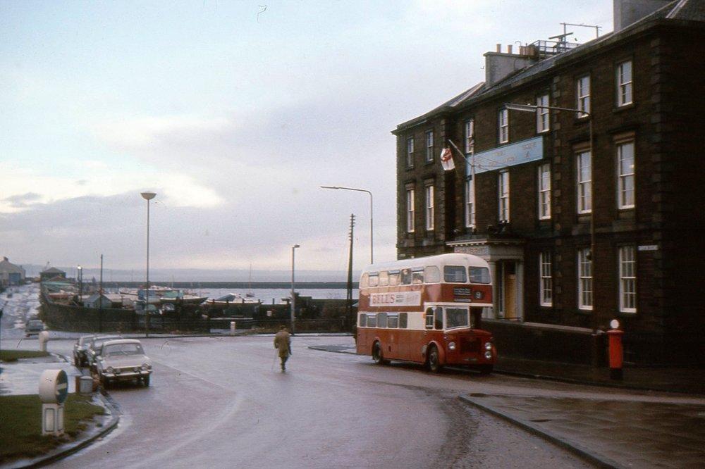 bus247.jpg