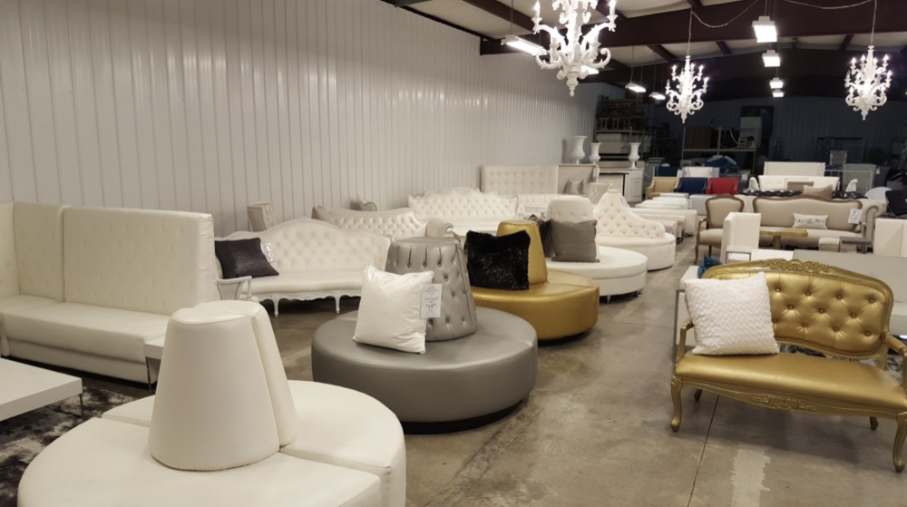 And The Northwest Arkansas Showroom Inside Of The Hanku0027s Furniture Store  (4308 Pleasant Crossing Blvd, Rogers).