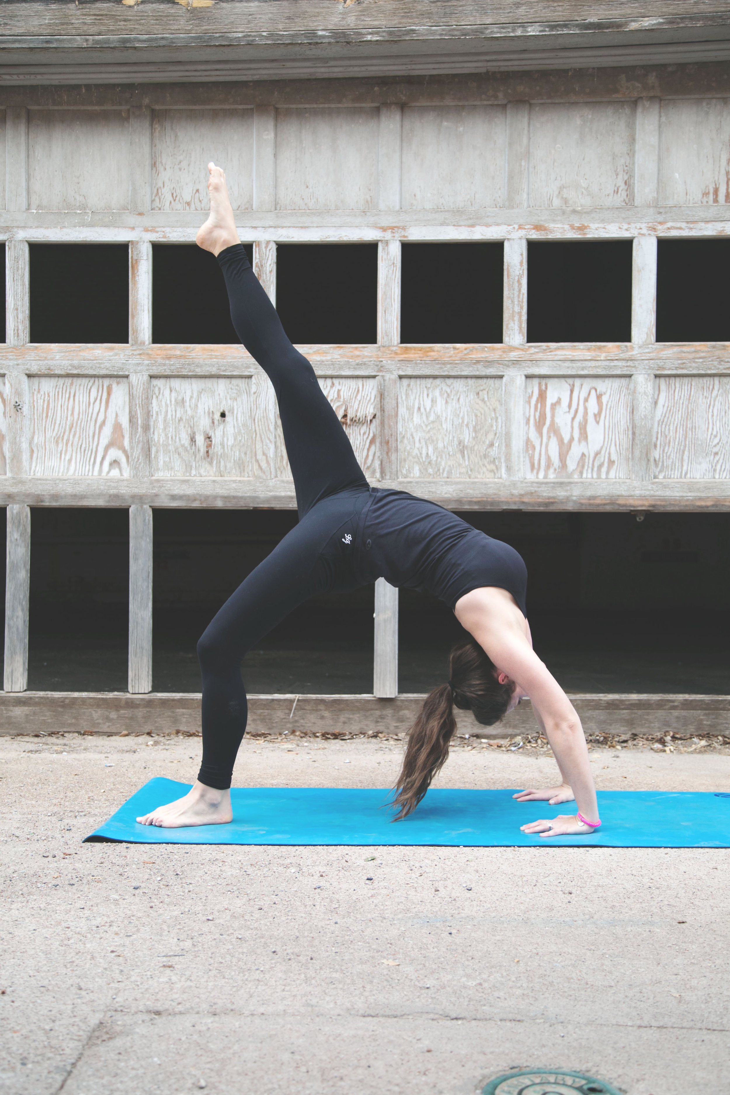 Set some goals to improve and Join the #TaketheLeap 30-day Yoga Challenge with @brittanysuell @prana @fitapproach