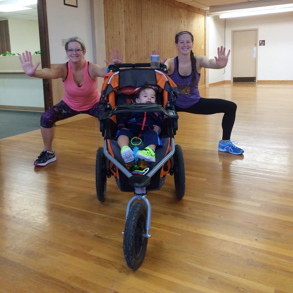Mom & Daughter workouts with @brittanysuell