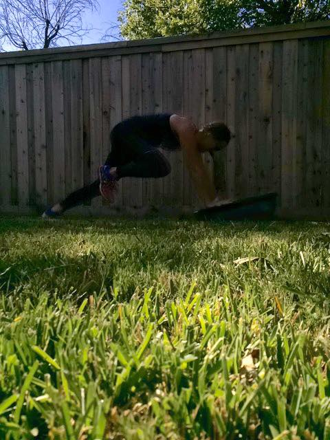 40 Mountain Climbers for The #BOSUStrong Countdown Workout with @BrittanySuell