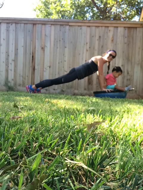 60 second plank for The #BOSUStrong Countdown Workout with @BrittanySuell