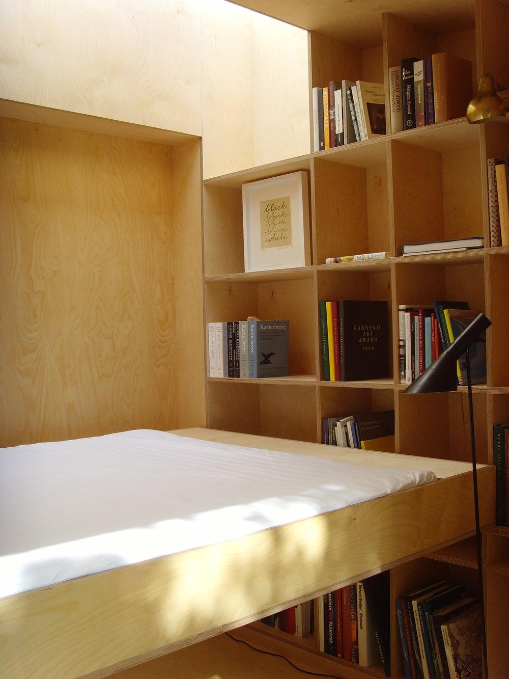 reading nest 07 029.jpg