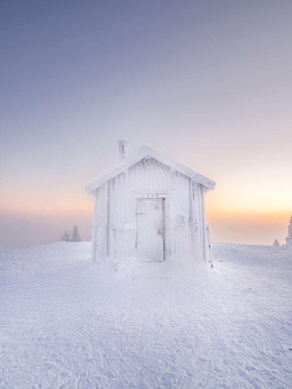 7. Valtavaara cabin + sunset.jpg